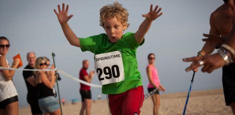 Barn vidar i mål pricka tiden
