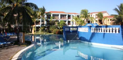 Kuba Trinidad pool 1