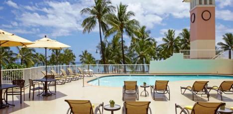 Park_Shore_Waikiki_Pool