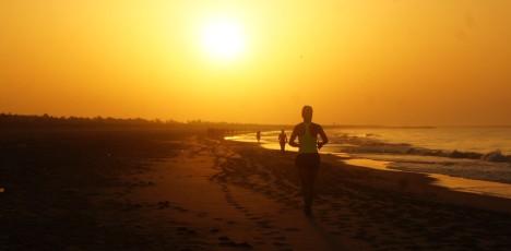 Portugal kost och livsstilskurs - löpning på stranden