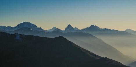 Panorama_Atmosphäre_Sicht-vom-Jakobshorn_Berge_01_web